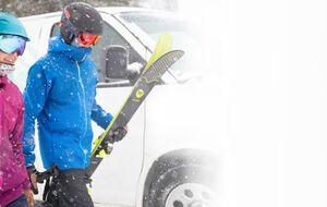 Man woman skis